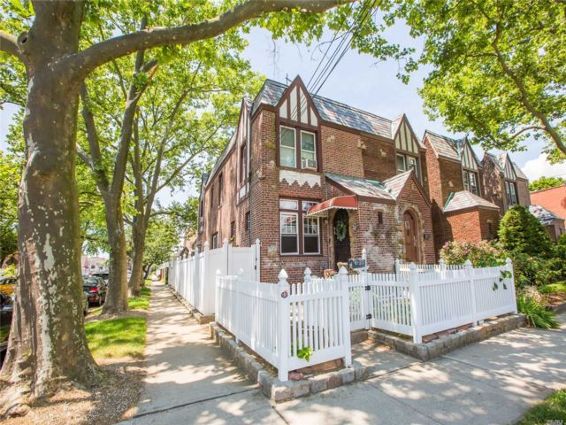 [Bellerose Real Estate, listing number 3113910]