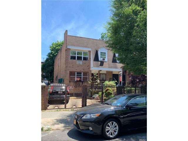 5 BR,  5.00 BTH  Contemporary style home in Bushwick