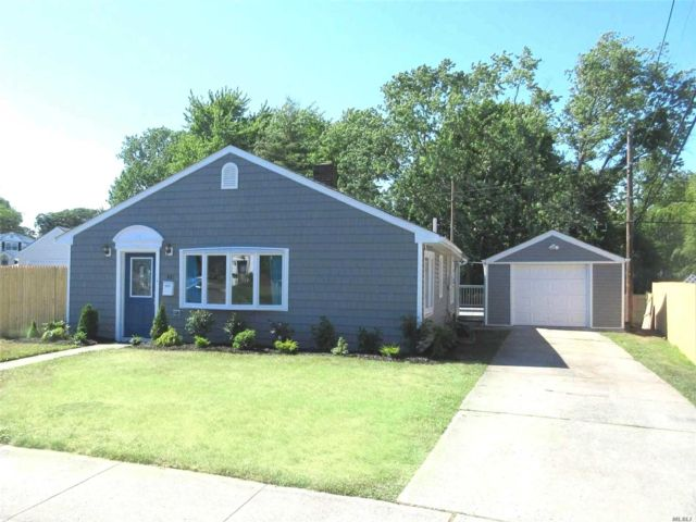 3 BR,  2.00 BTH Ranch style home in Oceanside
