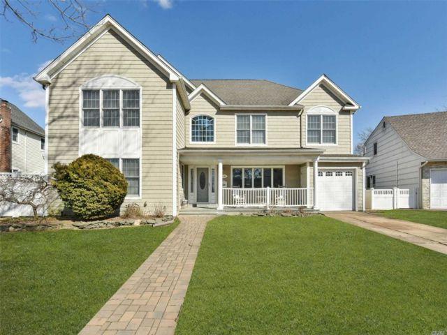 [Merrick Real Estate, listing number 3114091]