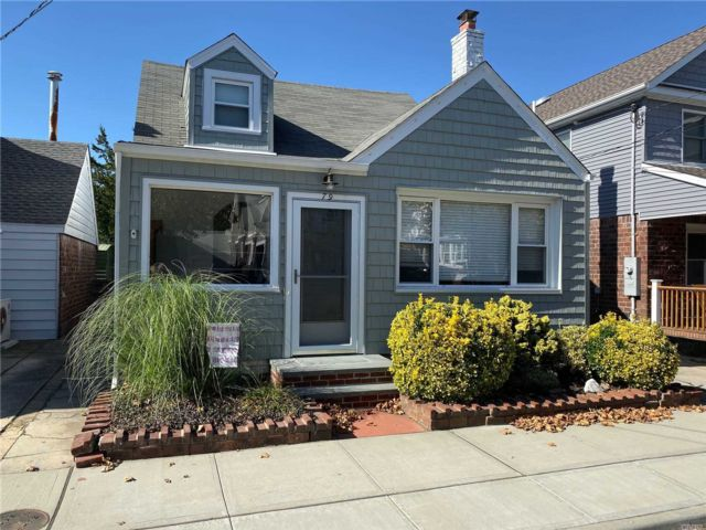 2 BR,  2.00 BTH  2 story style home in Point Lookout