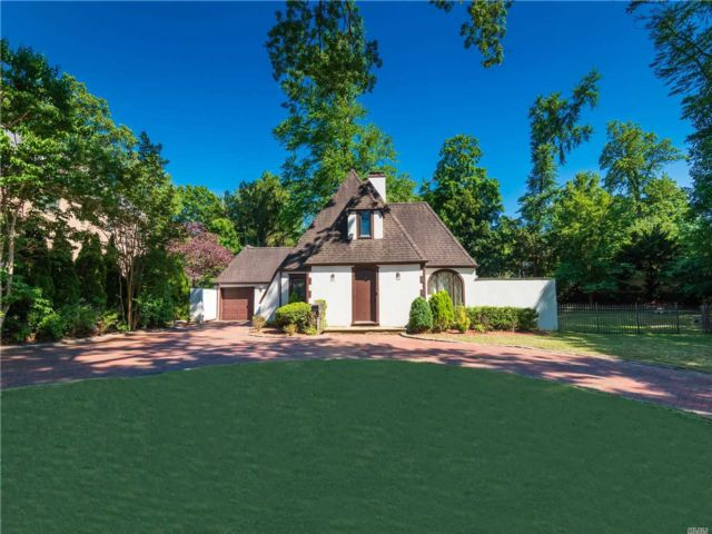 3 BR,  2.00 BTH Tudor style home in Great Neck