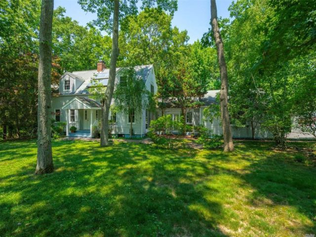 [Stony Brook Real Estate, listing number 3114458]