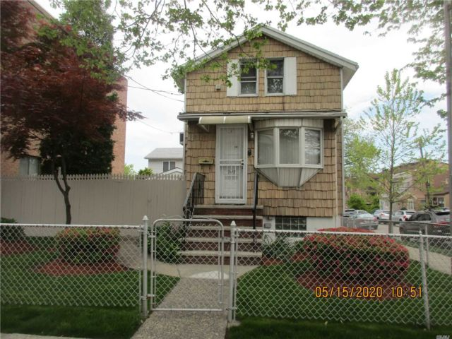 2 BR,  3.00 BTH Colonial style home in Middle Village