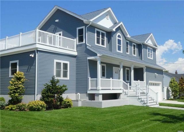 4 BR,  3.00 BTH Contemporary style home in Atlantic Beach