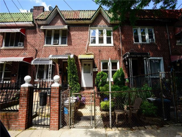 2 BR,  2.00 BTH Townhouse style home in South Ozone Park