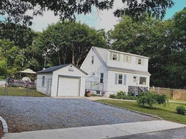 [Mastic Real Estate, listing number 3114714]