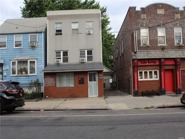 7 BR,  3.00 BTH  Other style home in Woodside