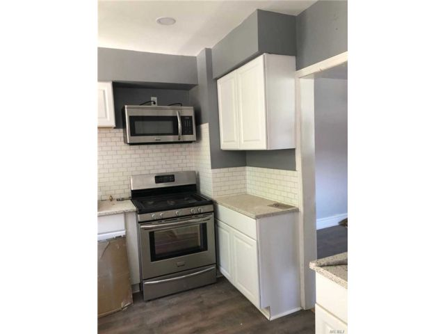 3 BR,  1.00 BTH 2 story style home in Queens Village
