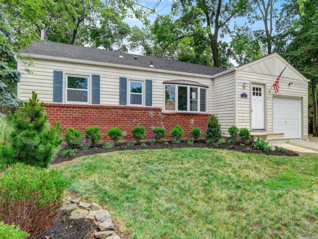 [Merrick Real Estate, listing number 3114977]