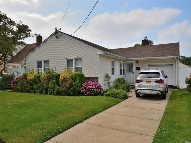 3 BR,  2.00 BTH Ranch style home in Baldwin