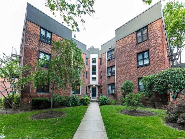 Studio,  1.00 BTH Garden apartmen style home in East Elmhurst