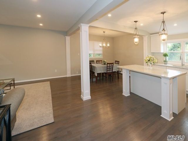 4 BR,  2.00 BTH Hi ranch style home in Old Bethpage
