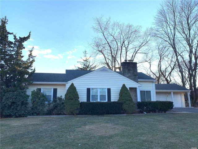 3 BR,  2.00 BTH Exp ranch style home in Old Bethpage
