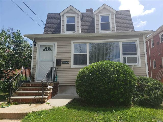 2 BR,  1.00 BTH Apt in house style home in Floral Park
