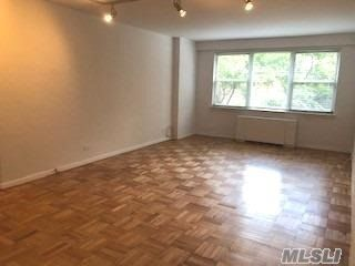 1 BR,  1.00 BTH  Apt in bldg style home in New York