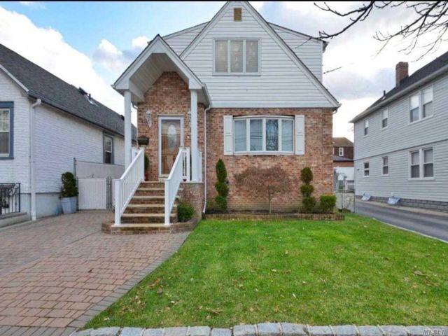 [Whitestone Real Estate, listing number 3115296]