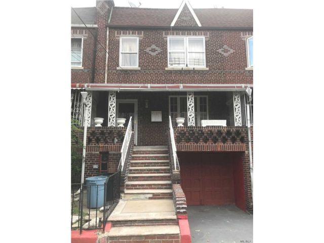 6 BR,  3.00 BTH  Colonial style home in East Flatbush