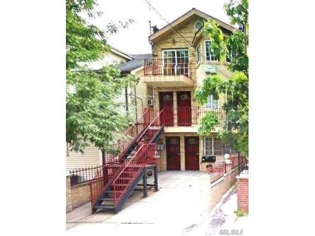 6 BR,  7.00 BTH  Townhouse style home in Jamaica