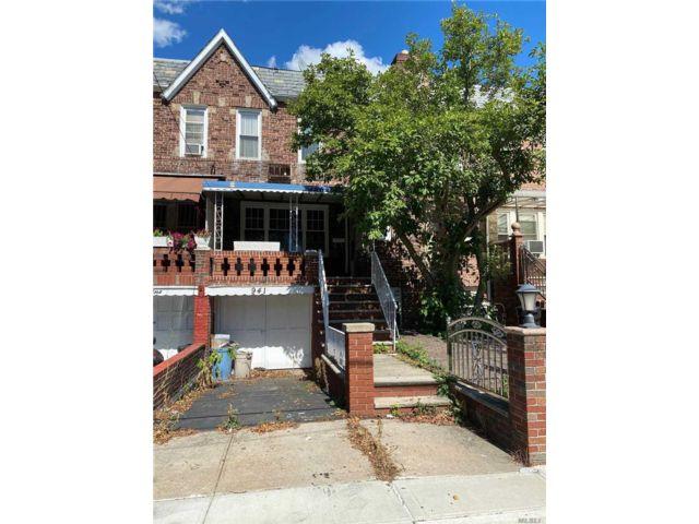 3 BR,  3.00 BTH Duplex style home in East Flatbush