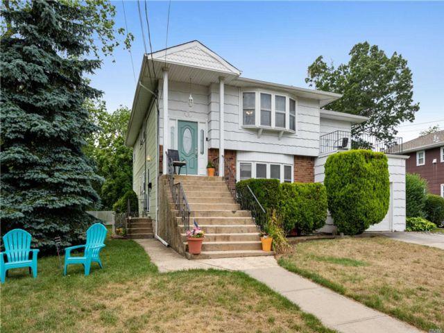 [Merrick Real Estate, listing number 3115378]