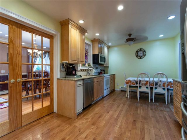 [Merrick Real Estate, listing number 3115401]