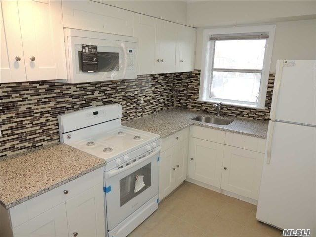 2 BR,  1.00 BTH 2 story style home in East Rockaway