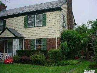 2 BR,  1.00 BTH  2 story style home in Manhasset
