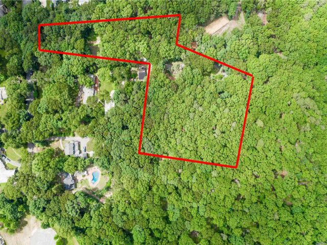 Lot <b>Size:</b> 6.4 acres Land style home in Melville