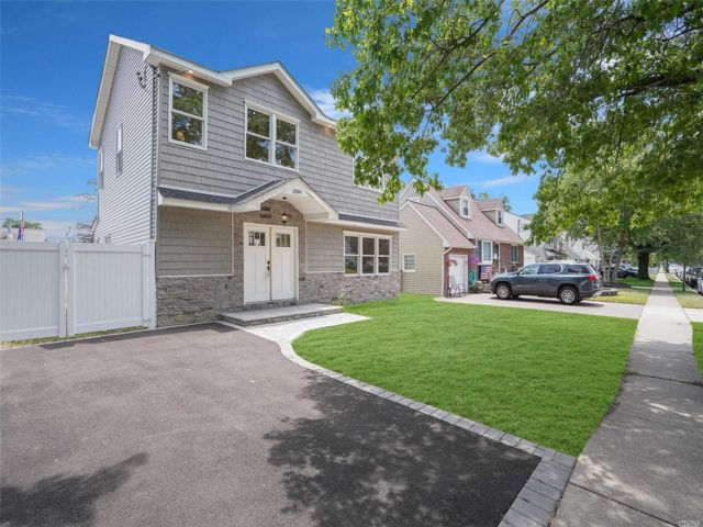 [Wantagh Real Estate, listing number 3115519]