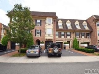 3 BR,  2.00 BTH Other style home in Bayside