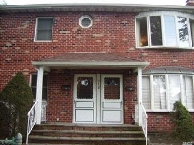 3 BR,  2.00 BTH  Apt in house style home in New Hyde Park