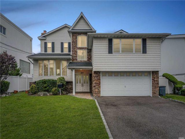 [Merrick Real Estate, listing number 3115720]