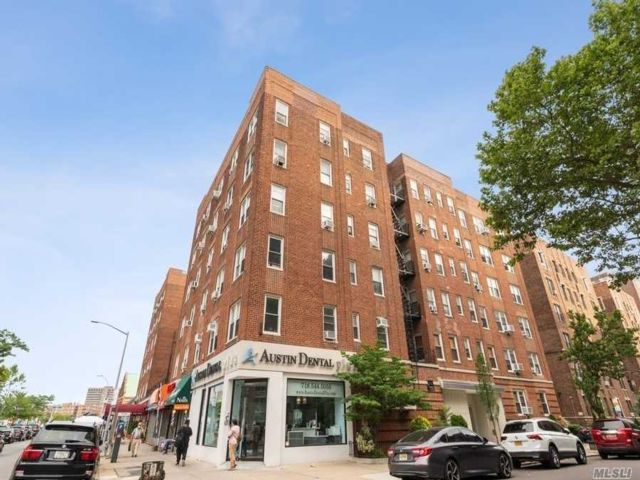 2 BR,  1.00 BTH Other style home in Forest Hills
