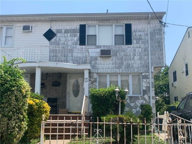 3 BR,  2.00 BTH Colonial style home in Springfield Gardens