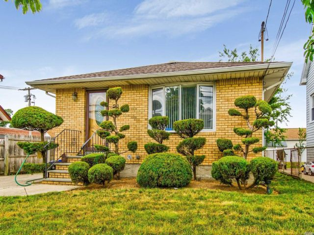 [Valley Stream Real Estate, listing number 3115808]