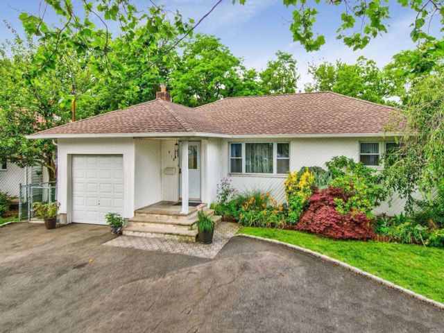 [Valley Stream Real Estate, listing number 3115810]