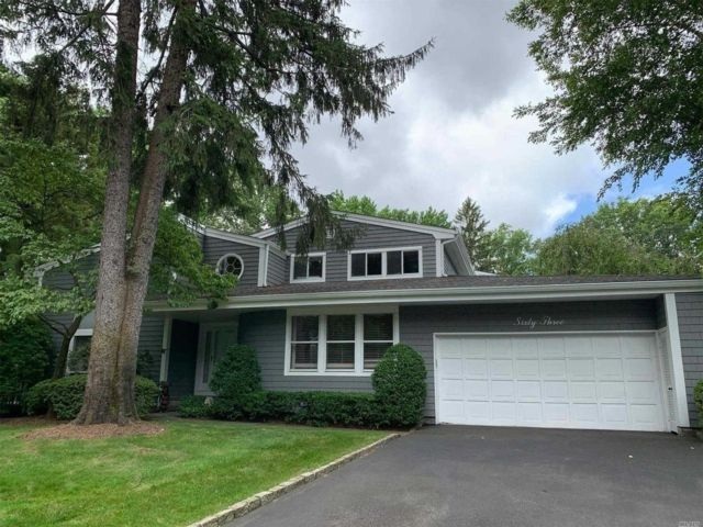 3 BR,  3.00 BTH  Condo style home in Manhasset