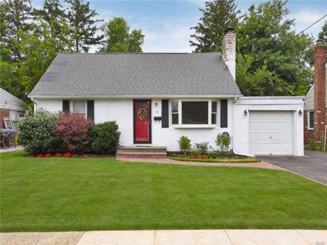 [Farmingdale Real Estate, listing number 3115914]