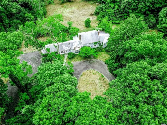 Lot <b>Size:</b> 5.8 Land style home in Brookville