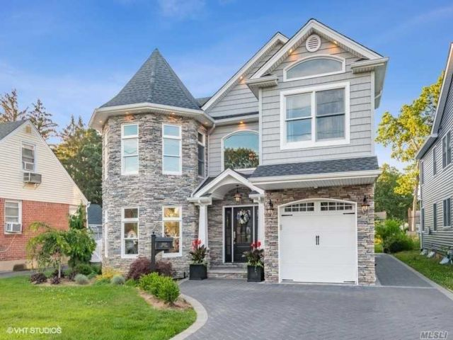 [Wantagh Real Estate, listing number 3116072]