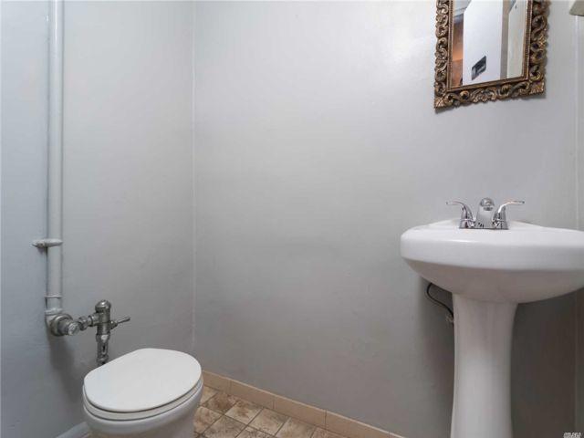 [Jackson Heights Real Estate, listing number 3116184]