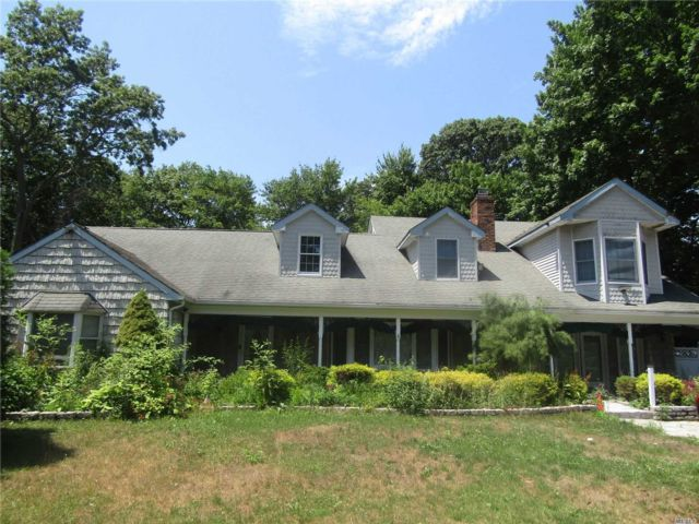 5 BR,  4.00 BTH Farm ranch style home in Coram