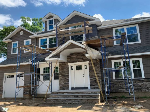 [Merrick Real Estate, listing number 3116266]
