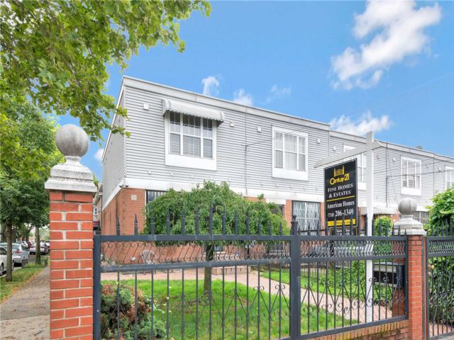 3 BR,  2.00 BTH  Colonial style home in East New York