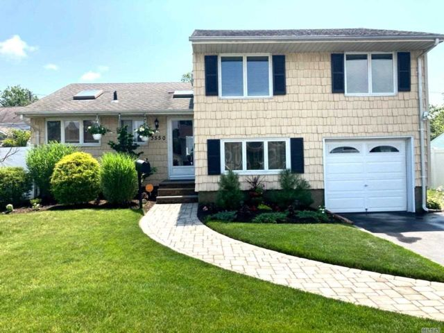 [Wantagh Real Estate, listing number 3116303]