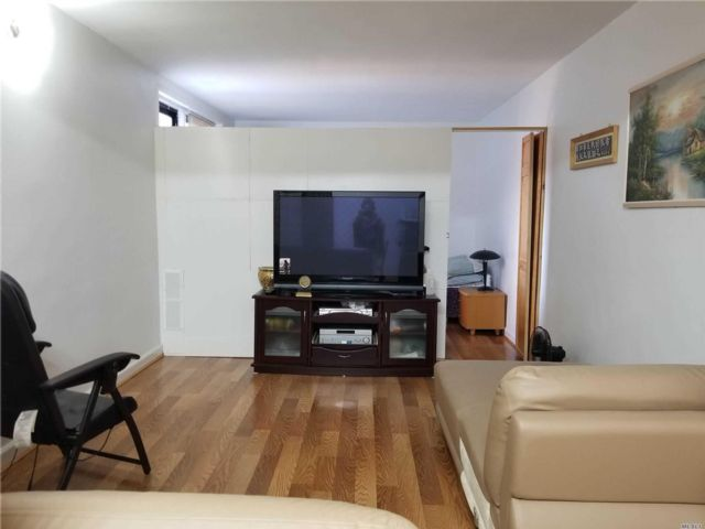 [Jackson Heights Real Estate, listing number 3116313]