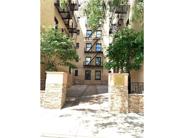 1 BR,  1.00 BTH Condo style home in Woodside