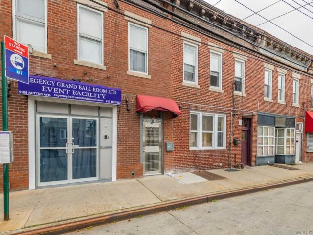 4 BR,  5.00 BTH  Other style home in Ozone Park