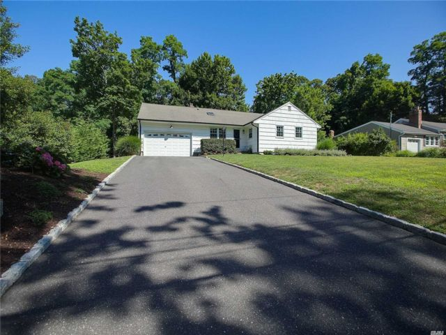 3 BR,  2.00 BTH Ranch style home in Stony Brook